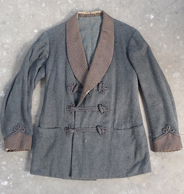 Early Smoking Jacket (00170)