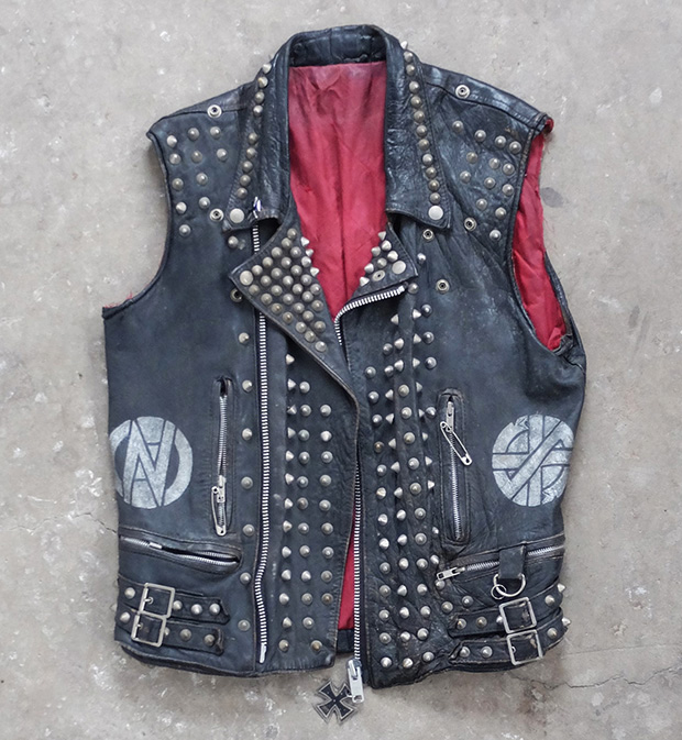 Cut Off Punk Biker Vest With Studs & Stencil (00489)