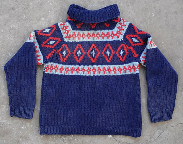 Diamond Patterned Nordic Handknit (01610)